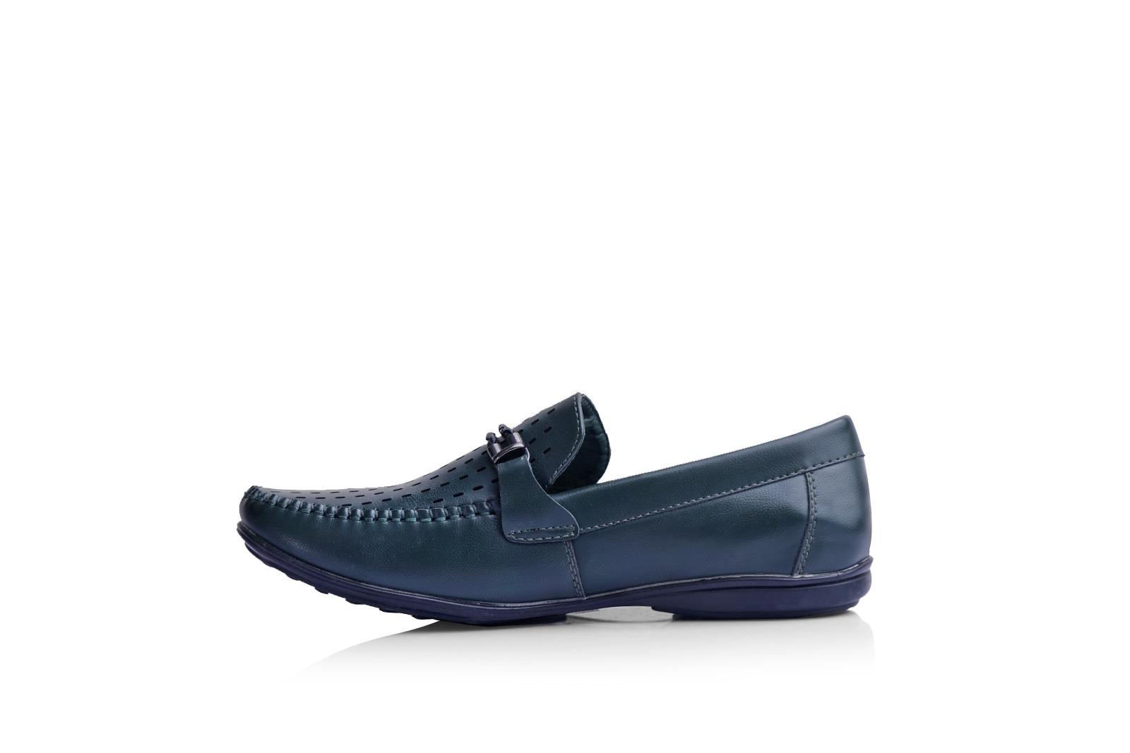 الصورة: حذاء (كندرة) زيتى