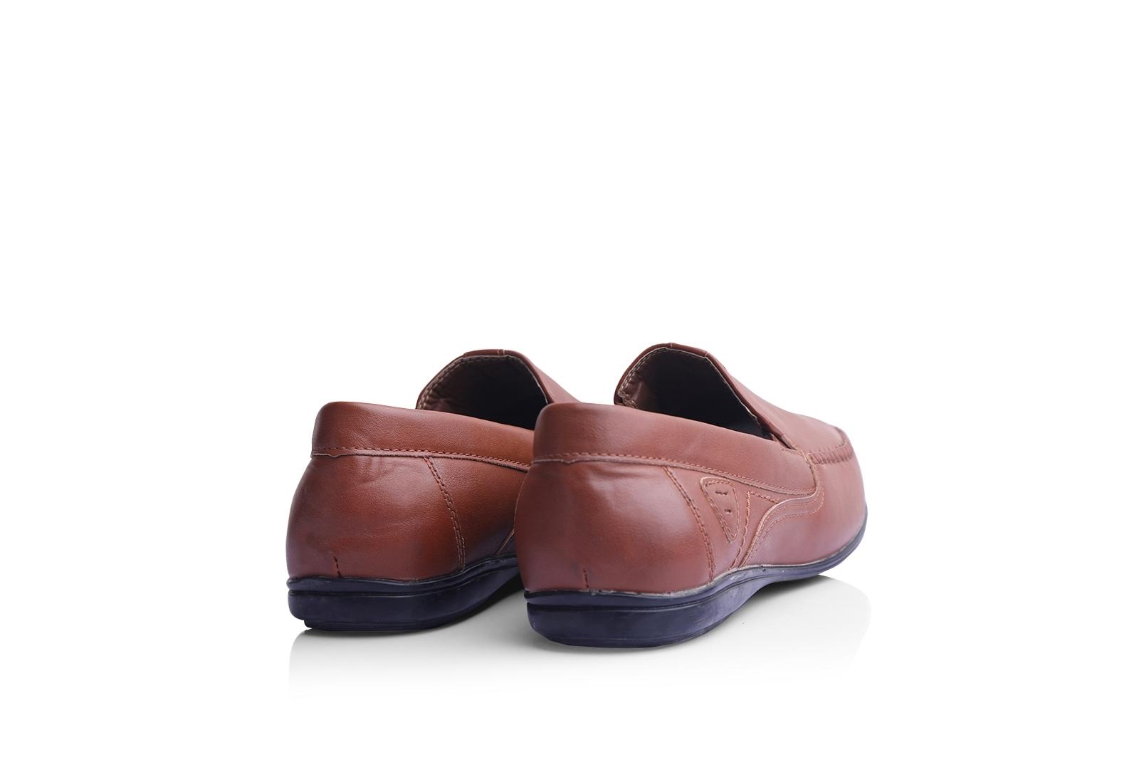 صورة حذاء (كندرة) بنى