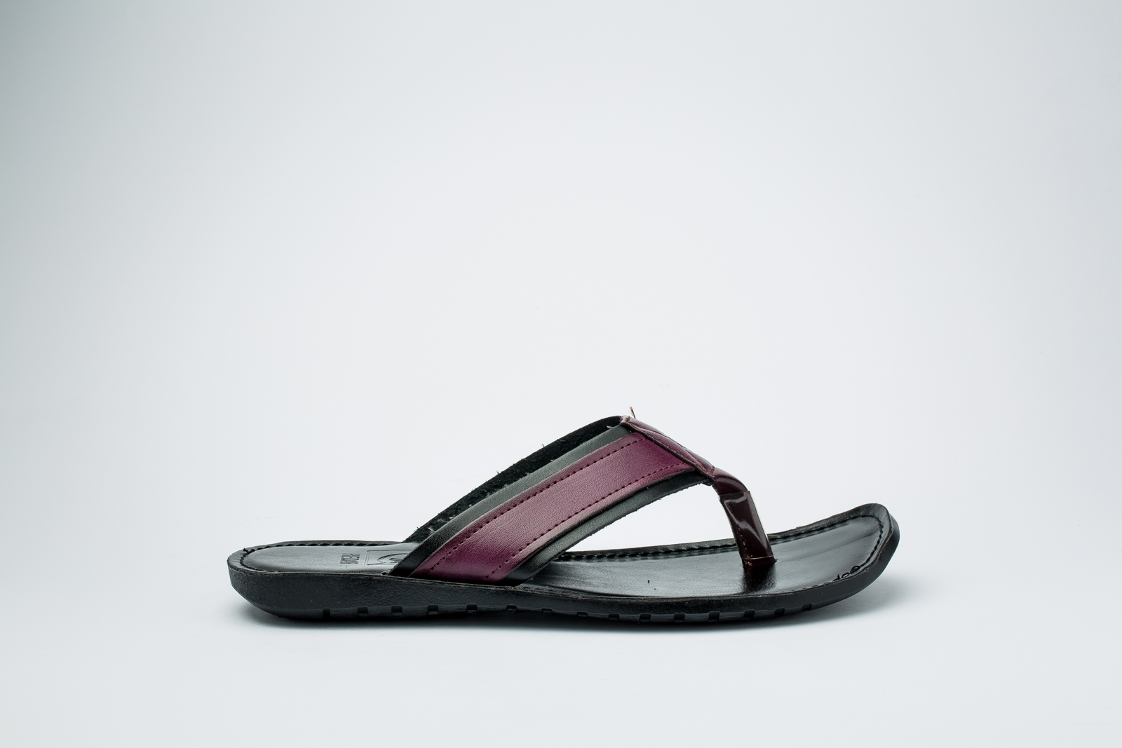 Picture of Burgundy and black Slipper