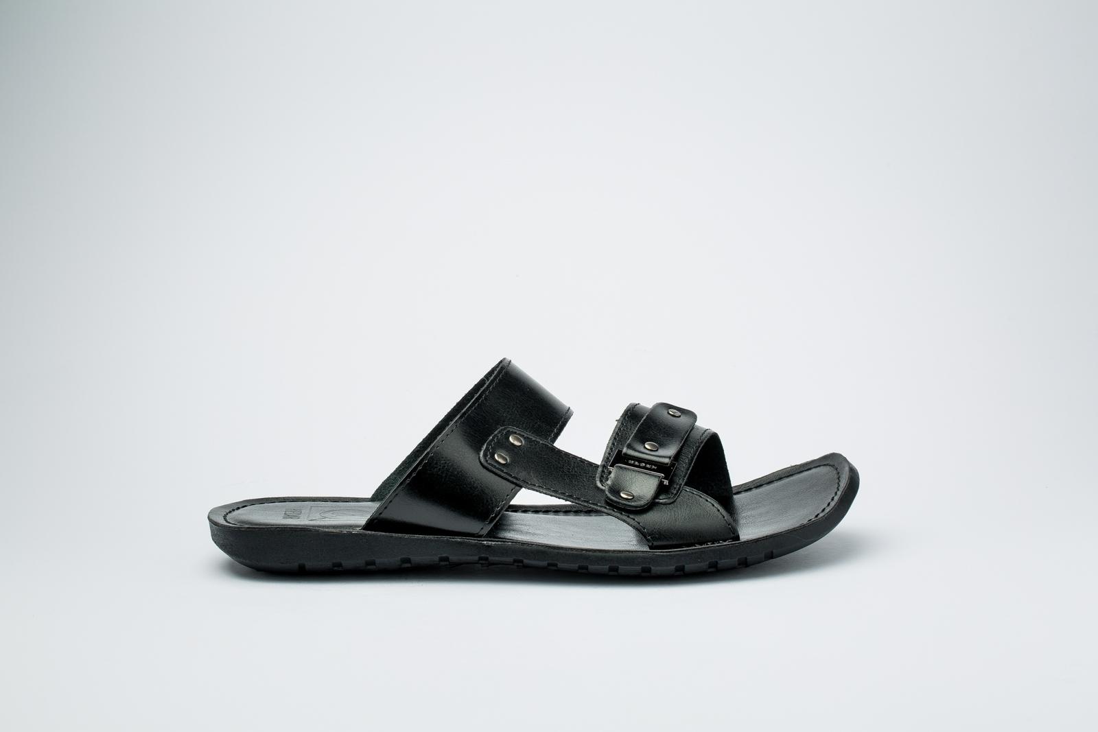 Picture of Black Slipper
